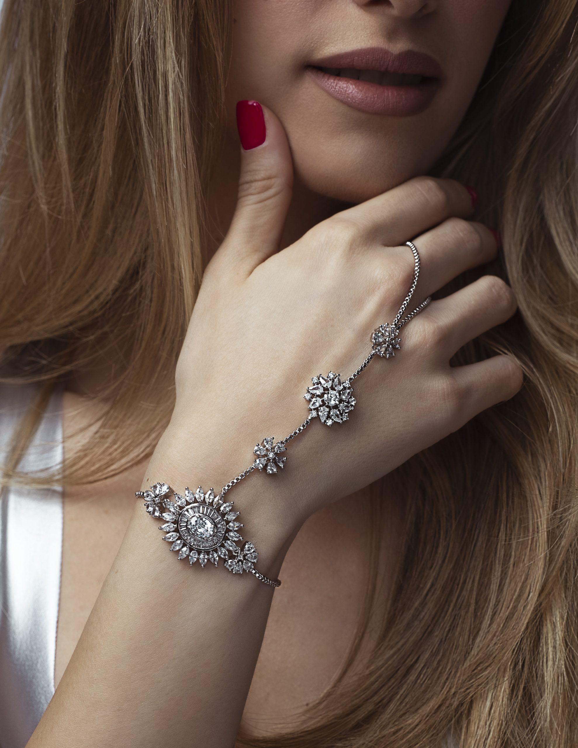 silver bracelet 240 dpi